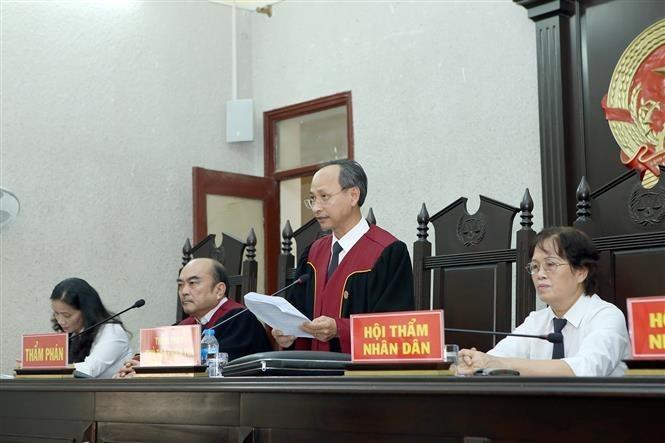 The jury pronounces sentences on the defendants. VNA